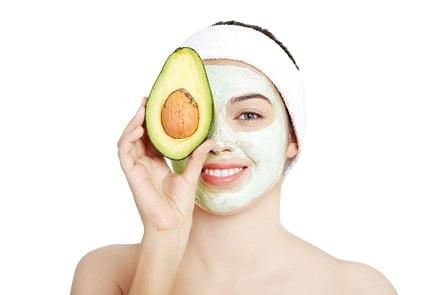 אבוקדו עושה פלאים לעור הפנים (צילום: shutterstock)