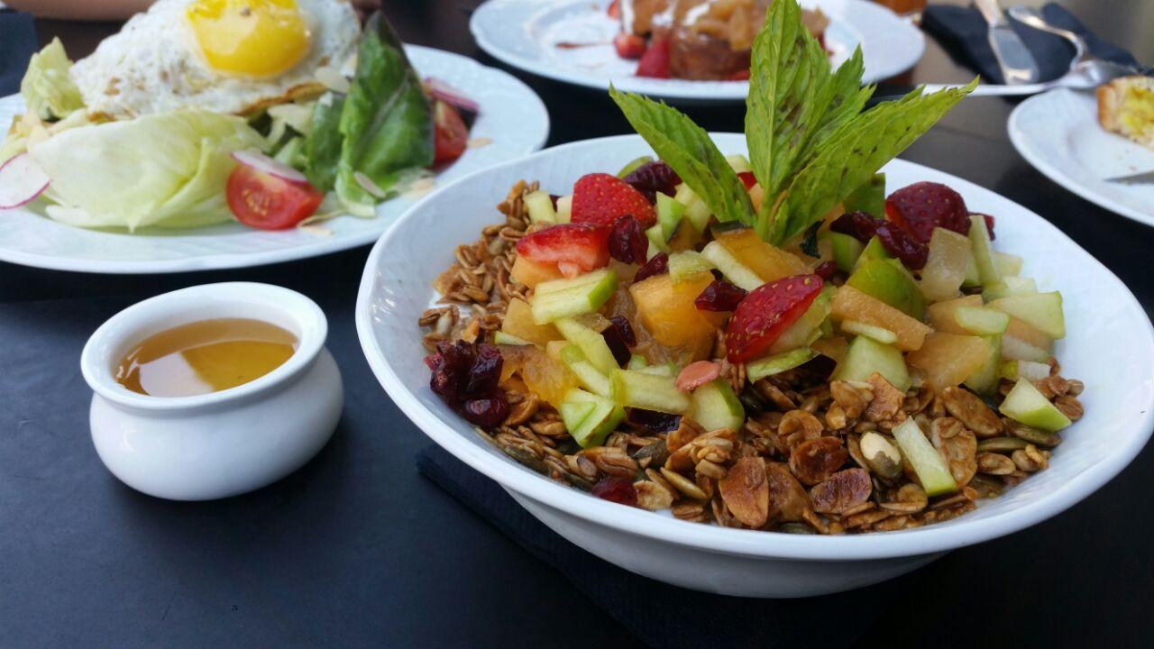 מועדון ארוחת הבוקר בפטיסרי השוויצרי הראשון בישראל-ג'ראלד – Gerald