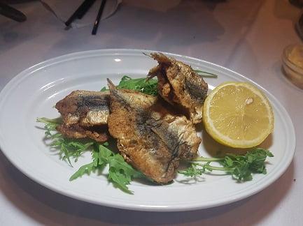 סרדינים מחותנים - מסעדת הצדף