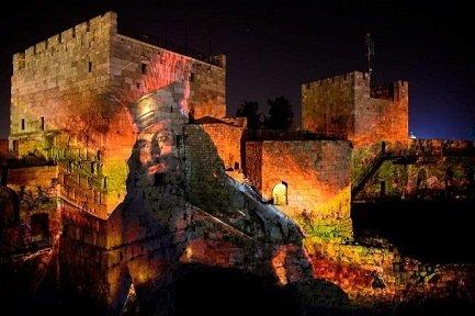 חוויית מגדל דוד בלילה (צילום: נפתלי היגלר)