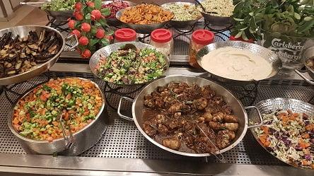 מגוון סלטים ארוחת ערב - מלון קיסר פרמייר