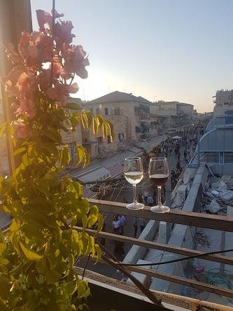 מבט לשוק מחנה יהודה. צולם מהאטלייה של טלי