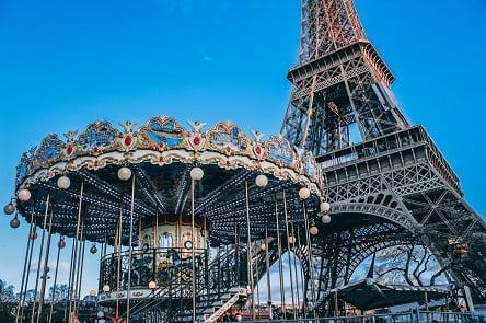 מטיילים עם הילדים בפריז – כל האטרקציות והאתרים שלא כדאי לפספס