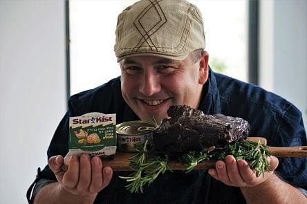 שף מריאנו ונתח ויטלו טונטו עם טונה סטארקיסט (צילום: נורית פלד)