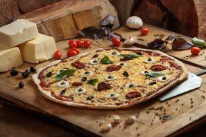 פיצה טבעונית משומשו (צילום: אביתר ניסן)