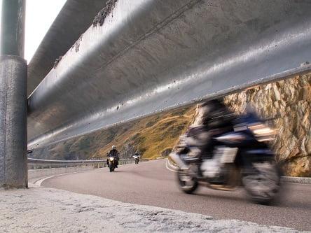 מעקה בטיחות - אופנועים
