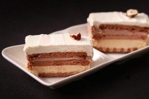 עוגת גבינה שכבות טבעונית בשלושה טעמים (צילום: חנה יודייקין)