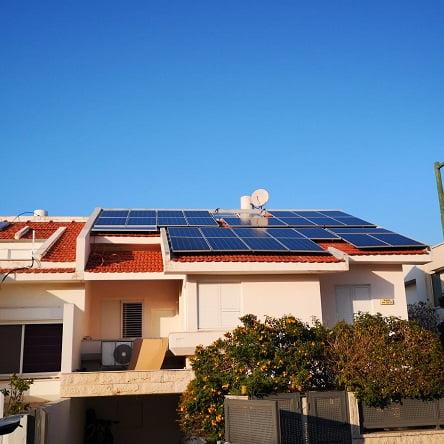 אנרפוינט – מקימה מערכות סולאריות גם על גגות פרטיים