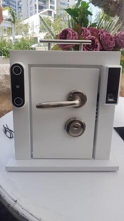 DOORe ולא צריך מפתח