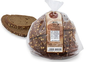 ביכורים - לחם שיפון מלא 7 דגנים (צילום: אייל קרן)