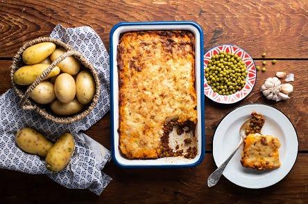 מתכון – פשטידת תפוחי אדמה, בשר ועגבניות