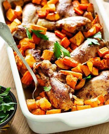 כרעי עוף עם ירקות כתומים וקינמון (צילום: טל סיון ציפורין מתוך ספר בישול חלי ממן)