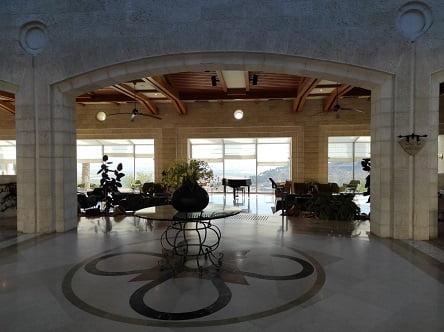 מלון גולדן קראון הר הקפיצה, נצרת - מבט לנוף מהכניסה למלון
